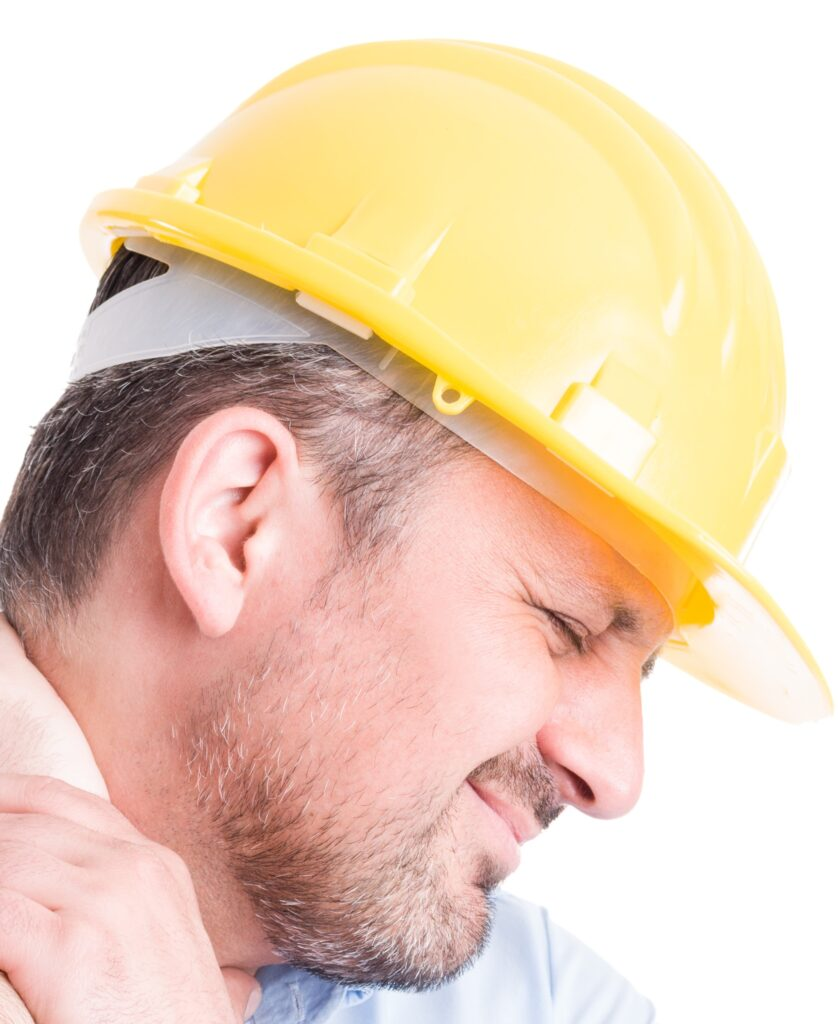 foto hombre con casco de obra